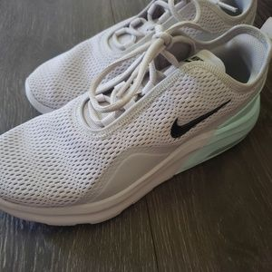 Womens nike tennis shoes